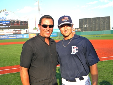 Lee Mazzilli (left) and his son, Lee Jr., will be on hand to take pictures and sign autographs at the Fred L. Mazzilli Lung Cancer Screening Awareness Day.