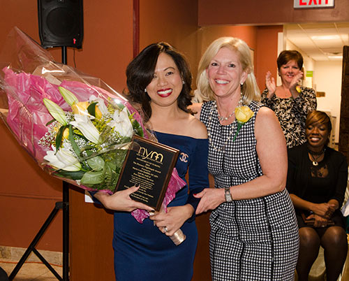 Maria Luisa Quidilla accepts the 2016 Florence Nightingale Award